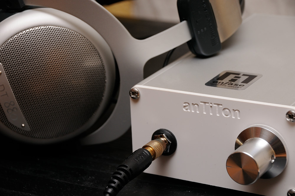 anTiTon enFase hybrid headphone amplifier  KH2
